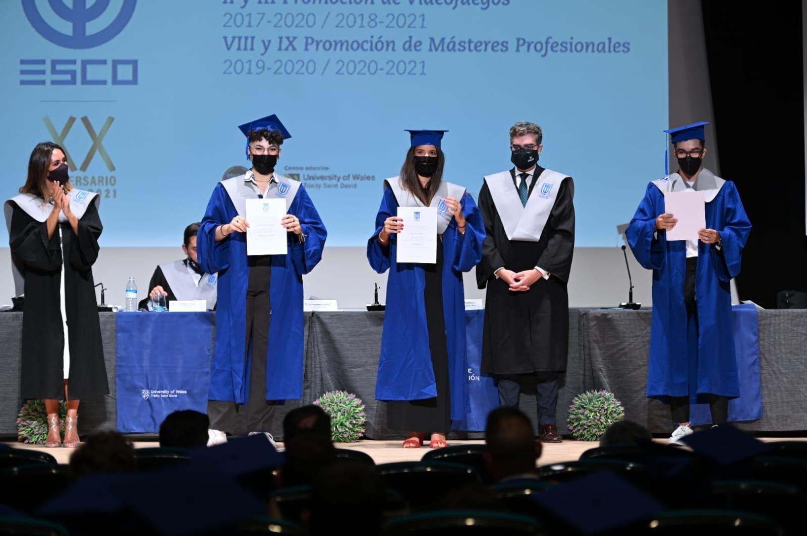 Graduación XX Aniversario